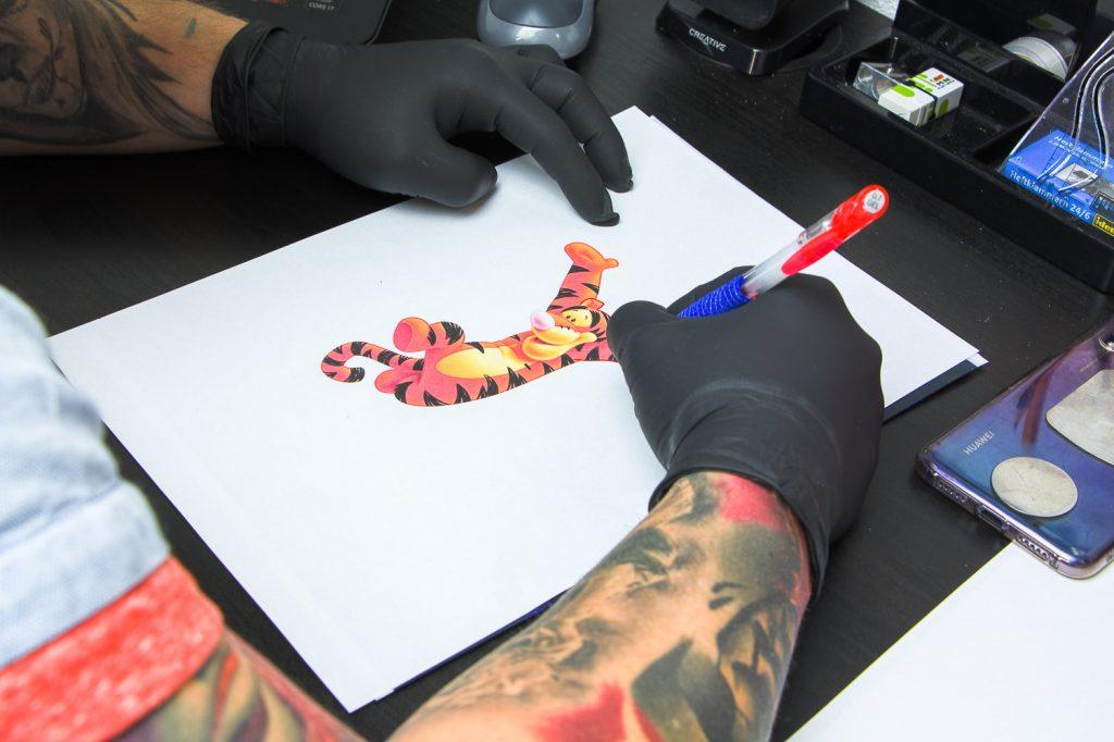 Vill_kunterbunt_Tatto-Piercingstudio_fotosession1_009