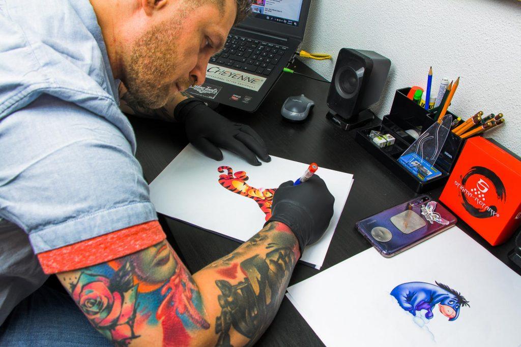 Vill_kunterbunt_Tatto-Piercingstudio_fotosession1_011